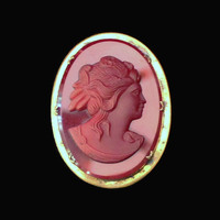 Vintage Burgandy Red Glass Cameo Brooch Set In Brass, Red Cameo Brooch, Burgundy Cameo Brooch, Cameo Pin, Red Cameo Pin, Burgundy Cameo Pin