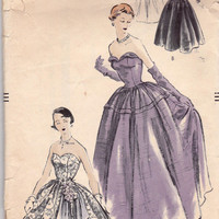 1950s Full skirt Ballgown Vintage Sewing Pattern Vogue 3398 Size 13 Bust 31 1/2 inches