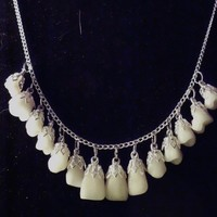 Toothy Grin Necklace in silver