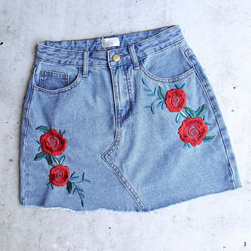 Raw Hem Rose/Floral Embroidery Denim Skirt in Medium Wash