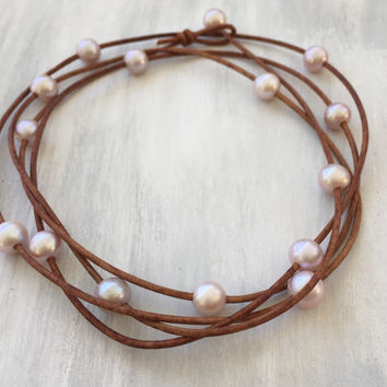 Pastel Pink pearl leather necklace, pearls on leather, leather and pearls, freshwater pearl necklace, pearls, leather, pearl necklace, multi