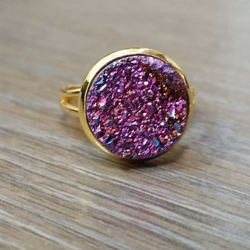 Druzy Ring- Magenta rainbow drusy Gold tone druzy ring