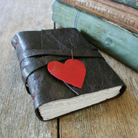 """""""i carry your heart with me"""" (brown/red) from La Paperie & Cozy Journals"""