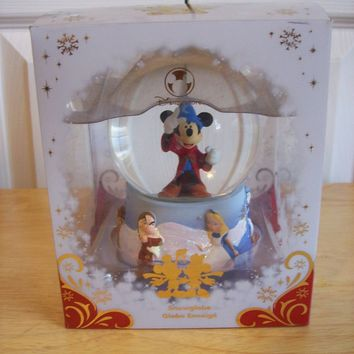 Disney Fantasia Mickey Sorceror Cast Snow globe