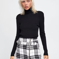 PLAID MINI SKIRT DETAILS