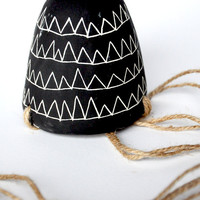 Flag Garland Design Black and White Hanging Succulent Planter with Natural Rope