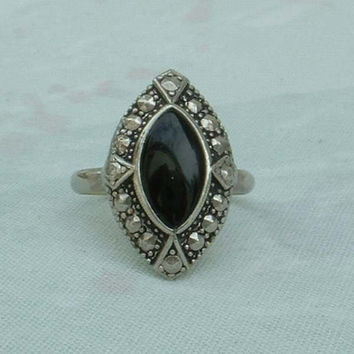 Black Ring with Faux Marcasites Glass Navette Shaped Size 6.5 Vintage Jewelry
