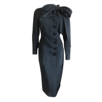 Norman Norell - Norman Norell elegant black silk dress with attached bow