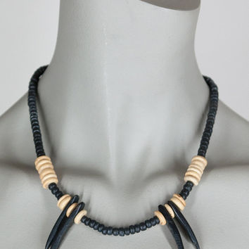 Vintage 80s Necklace / 1980s Black and Beige Wood Bead Spike Necklace