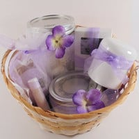 Lavender Spa Kit, Lavender Gift, Lavender Gift Basket, Lavender Basket, Gift basket for her, spa gift set, wedding gift, mother's day gift