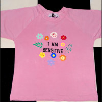 SWEET LORD O'MIGHTY! I AM SENSITIVE CROP TEE IN PINK