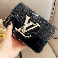 LV Louis Vuitton New fashion leather chain shoulder bag crossbody bag Black
