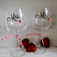Mr. and Mrs. Wedding Wine Glasses Set of Two