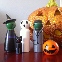 Halloween Peg People Wooden Figurines- Witch, Frankenstein, Ghost, Black Cat and Pumpkin Made with Wooden Pegs and Polymer Clay Sculpey