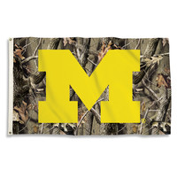 Michigan Wolverines 3 Ft. X 5 Ft. Flag W/Grommets - Realtree Camo Background