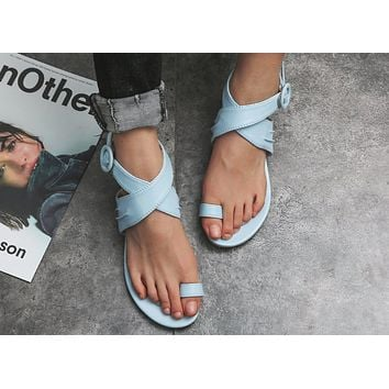 New Type of Toe-clipping Large Size Women's Summer Button Toe Set Low-heel Fine-heeled Explosive European and American Women's Sandals