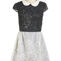 Vintage Inspired Short Length Short Sleeves A-line Swirls Unfurl Dress in Black