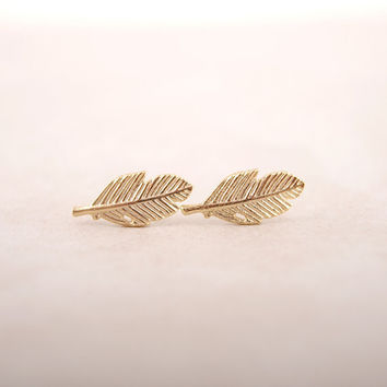 2016 Vintage Jewelry Exquisite 18K Gold Plated Leaf Earrings Modern Beautiful Feather Stud Earrings for Women