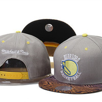 Golden State Warriors Basketball Logo Leopard Bill Mitchell & Ness Grey and Yellow Snap Back Hat