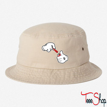 Mickey Hands Lighting cigar  BUCKET HAT