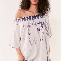 BDG Killian Off-The-Shoulder Oversized Tee - Urban Outfitters