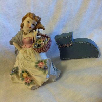 Country Girl with Flower Basket Figurine Vintage Lefton Porcelain Flower Girl Statue Mold Number KW125A Cottage Chic Hand Painted Girl