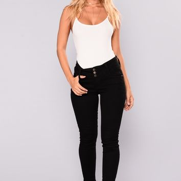 Watch Me Booty Lifting Jeans - Black