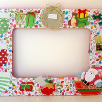Christmas Picture Frame - Season's Greetings - Holiday Photo Frame - Decor & Decorations - Santa Claus