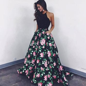 2017 Evening Gowns Floor Length Halter Neckline Printed Ball Gown Backless Satin Prom Dresses Arabic