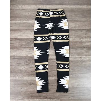 FINAL SALE - One Size Aztec Print Leggings in Black