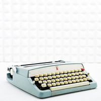 Vintage Brother Deluxe Typewriter in Blue - Urban Outfitters