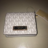 DCCKB7E New MIchael Kors set Travel Wallet Vanilla carryall card case AUTHENTIC