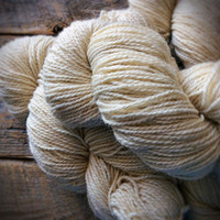 Peace Fleece, winter white, natural, blank, undyed wool yarn, worsted weight, knitting, Antarctica White