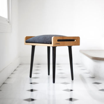 NEW !! Stool / Seat / stool / Ottoman / bench made of solid oak table, oak legs, upholstered in black fabric