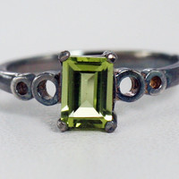 Oxidized Peridot Ring Sterling Silver, August Birthstone Ring, Emerald Cut Peridot Ring, Oxidized Peridot Bubble Ring, Oxidized Peridot Ring