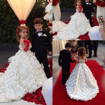 2016 New Beauty Flower Girl Dresses Ball Gown Scoop Flowers Beautiful Birthday Girl Prom Dresses Pageant Dresses Custom Made