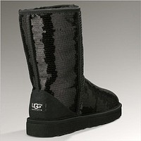 UGG: sheepskin  light  medium  snow boots