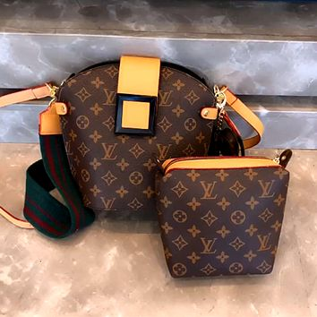 LV New Simple Classic Presbyopia Women's Retro Chain Bucket Bag Letter Pack Two Piece Set