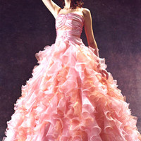 SodaHead - LADIES: What would your perfect wedding dress look like???