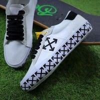ONETOW Sale Off White Vulcanised Arrows Sneakers White/Black Canvas Shoes