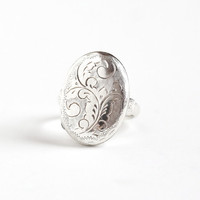 Vintage Sterling Silver Poison Locket Ring - Retro Size 7 1/4 Oval Statement Siam Thailand Foliage Leaf Design Secret Compartment Jewelry
