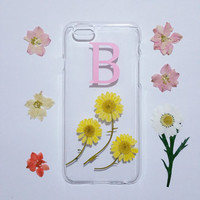 daisy iPhone 5 case,Personalized iPhone 5s Case,monogram iPhone 5C case,initial iphone 5s case,real flower iphone case, floral phone case