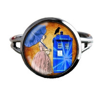 Dr Who Inspired Tardis Ring - Companion - Public Police Box Jewelry - Geeky Whovian