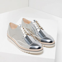 METALLIC FLAT SHOES WITH BROGUE DETAIL