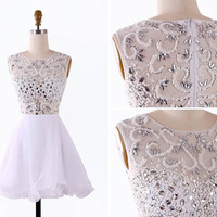 White Round Neck Beading Short Prom Dress/White Knee Length Homecoming Dress/Sexy Mini Party Dress/White Prom Dress EM811