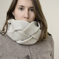 WOO neck-warmer in a tin (4 colours)