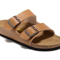 Men's and Women's BIRKENSTOCK sandals Arizona Soft Footbed Leather 632632288-020