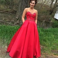 2017 Red Ball Gown Graduation Dresses Prom Dresses Sweetheart Appliques Long Party Dresses Puffy robe de soiree M2219
