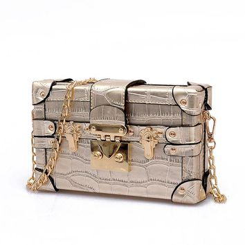 Beck- Small Box Shoulder Bag