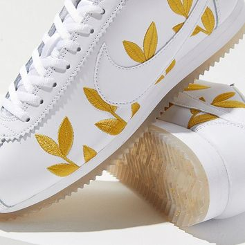 Nike Classic Cortez Feather Sneaker | Urban Outfitters